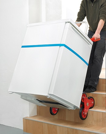 Pro Bau Tec Alu bei der Arbeit auf der Treppe